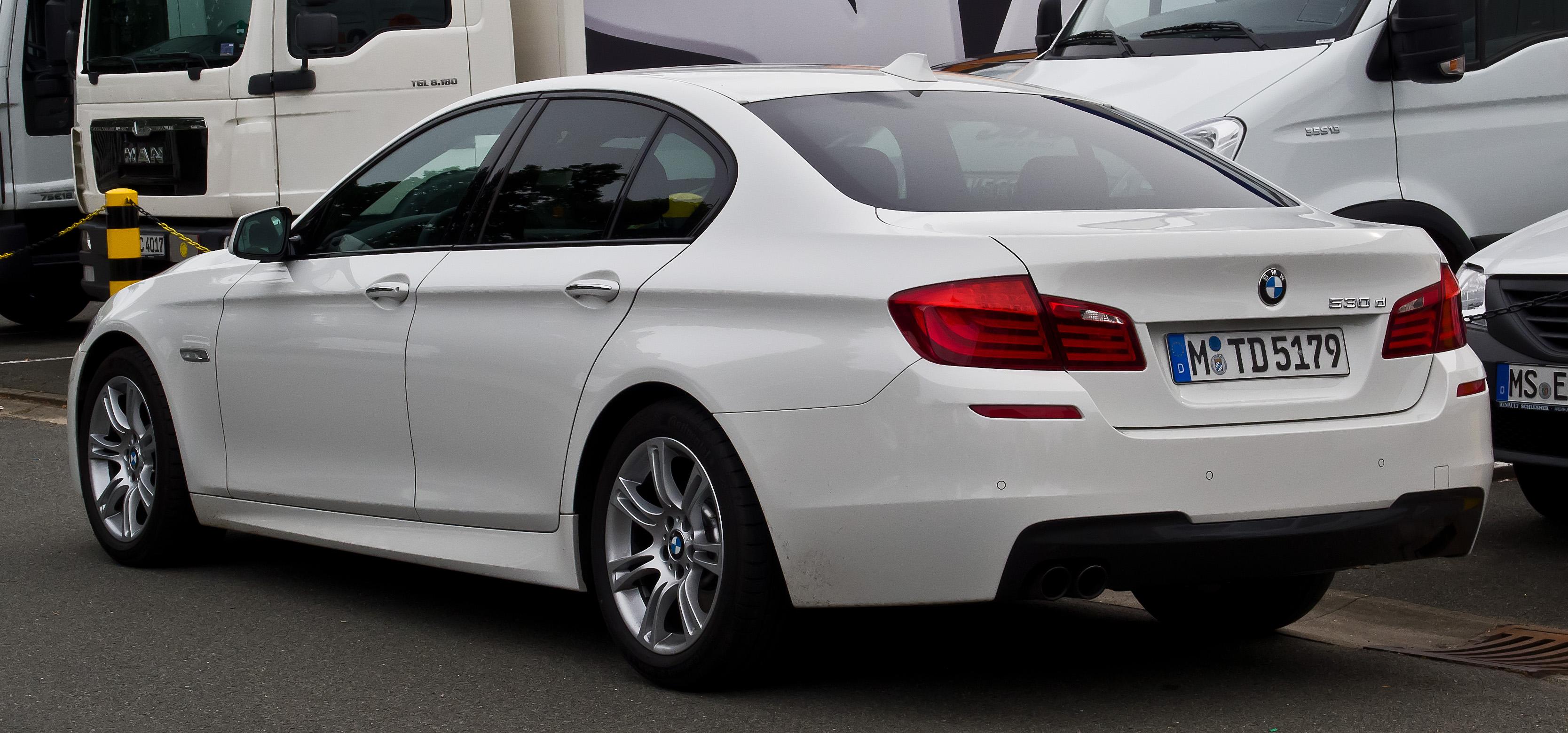 Build A Bmw >> File:BMW 530d M-Sportpaket (F10) – Heckansicht, 1. September 2013, Münster.jpg - Wikimedia Commons