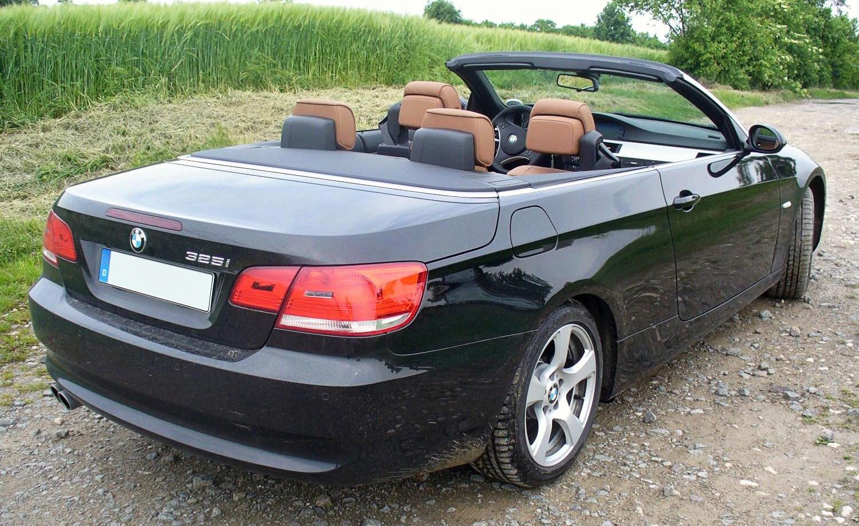 Description 2005 BMW 330Ci im spiel märkte williamhill ZHP Silver.jpg