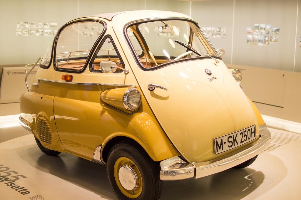 Le Groupe FCA (Fiat - Chrysler) rejoint BMW pour un projet commun BMW_Isetta_yellow
