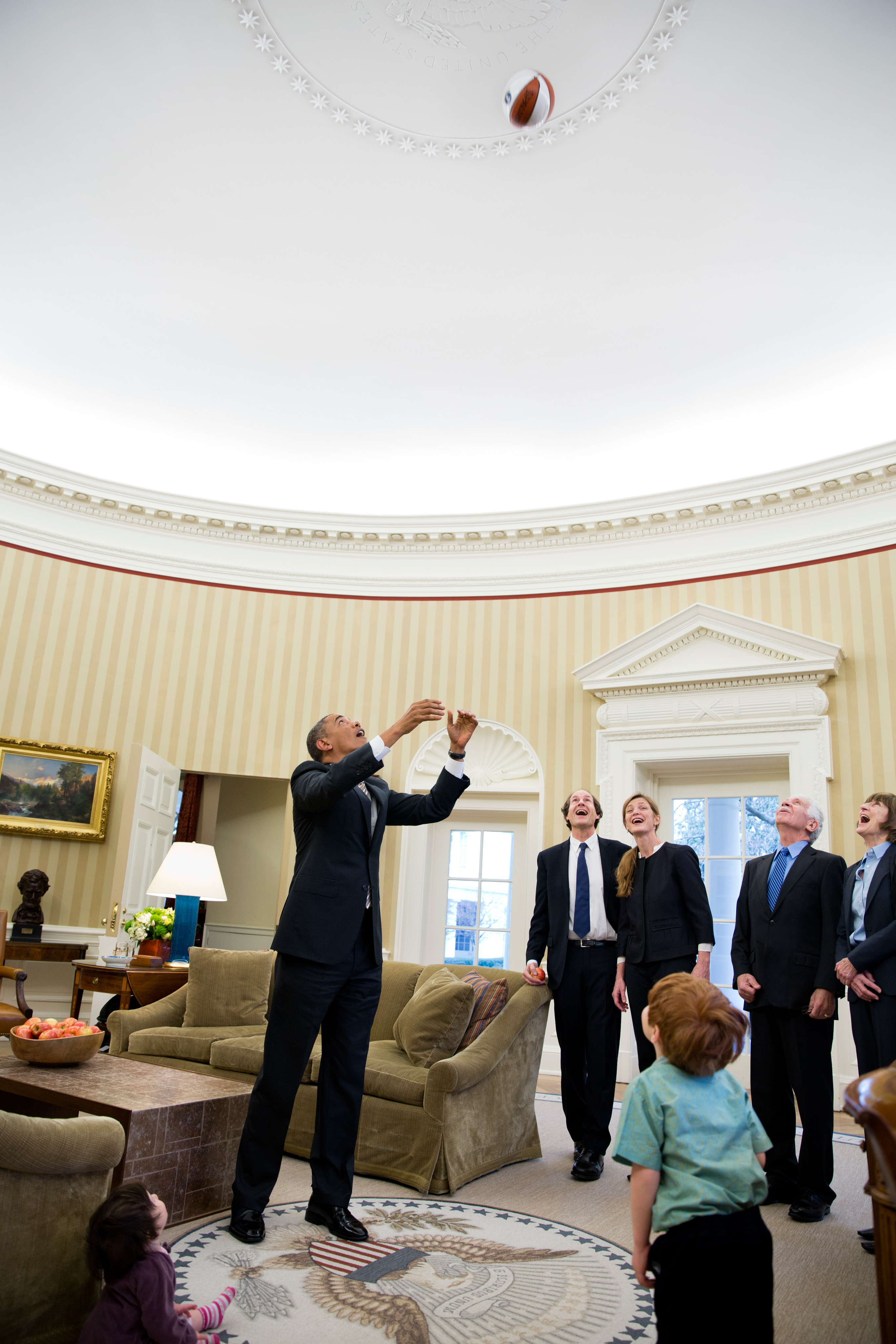 filebarack obama throws a basketball in the oval officejpg fileobama oval officejpg
