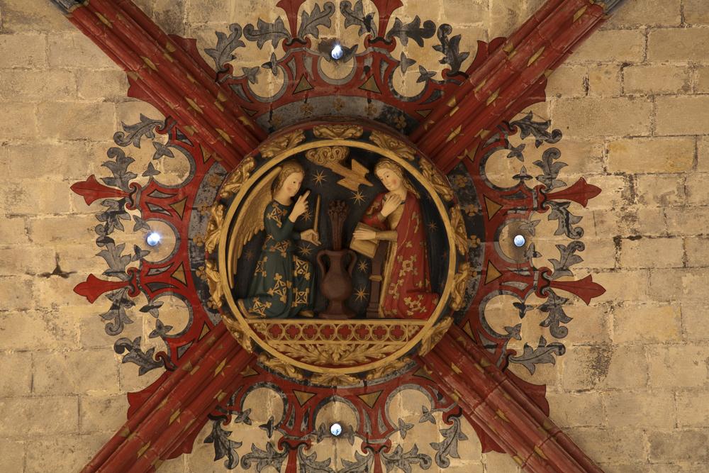 Clé de voute dans l'église Santa Maria del Mar à Barcelone. Photo de PMRMaeyaert.