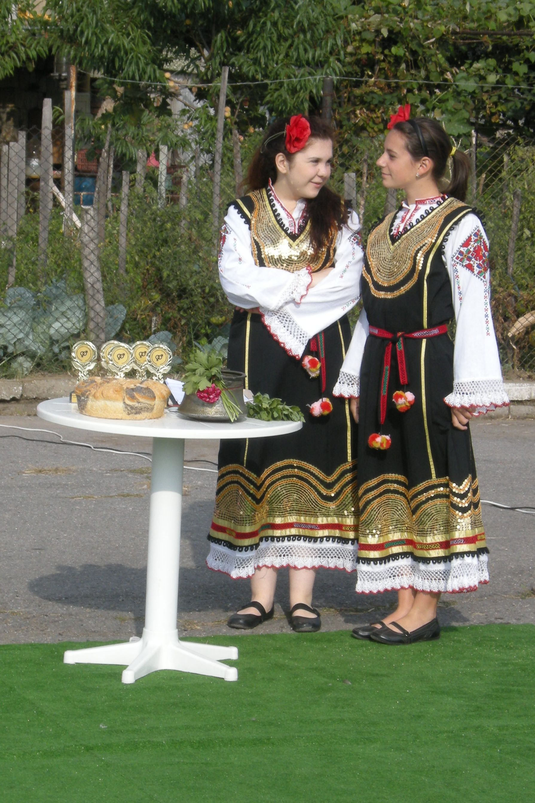 Bulgaria Girls http://commons.wikimedia.org/wiki/File:Bulgarian_Girls_01.jpg