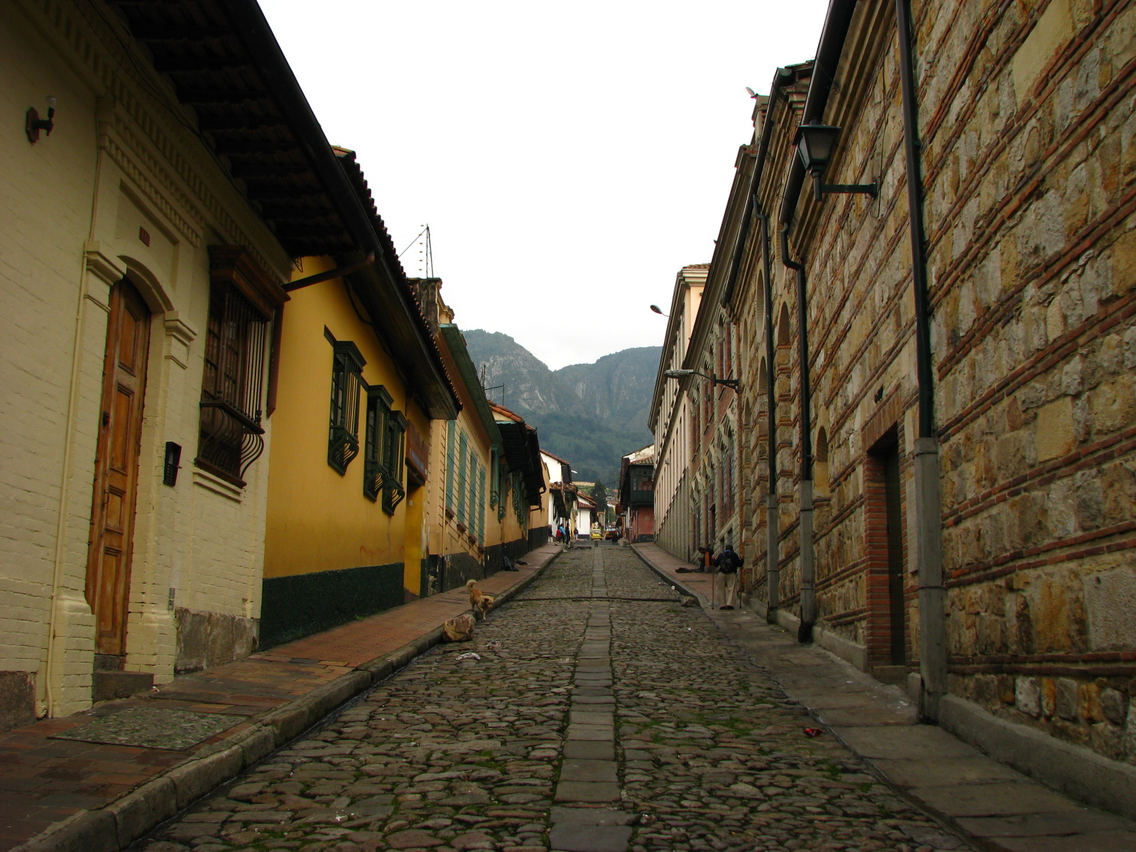 File calle del camarin del carmen barrio la candelaria for Barrio el jardin cali colombia