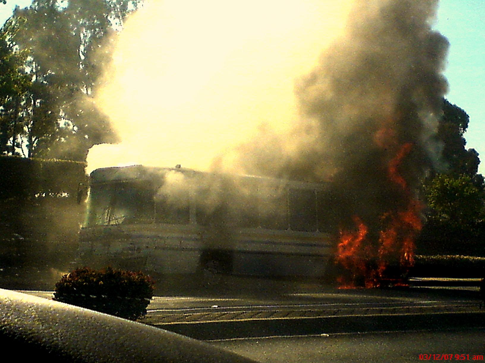 Autobuz cu crestini, atacat pe drumul spre Manastirea Sfantul Samuel: 28 de morti, intre care si copii, 23 de raniti.