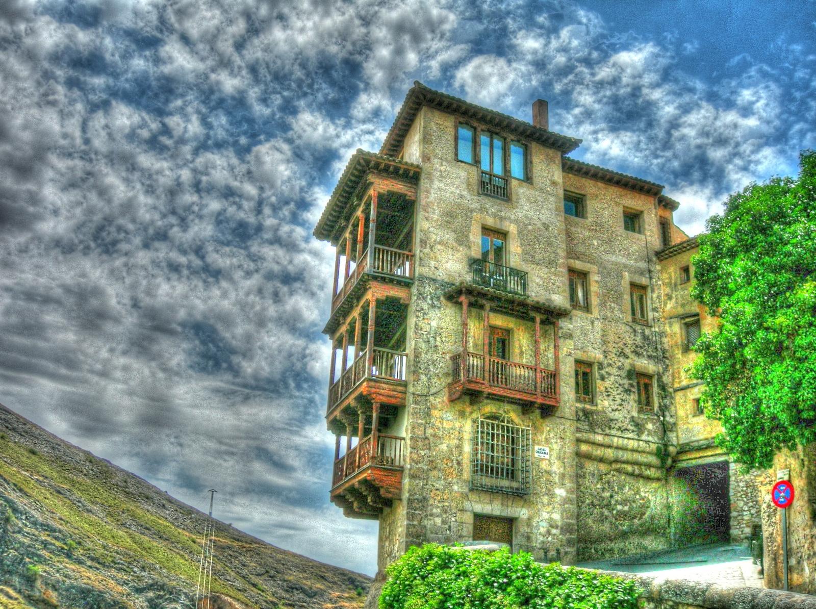 File casas colgadas cuenca espa simple english - Casas sostenibles espana ...