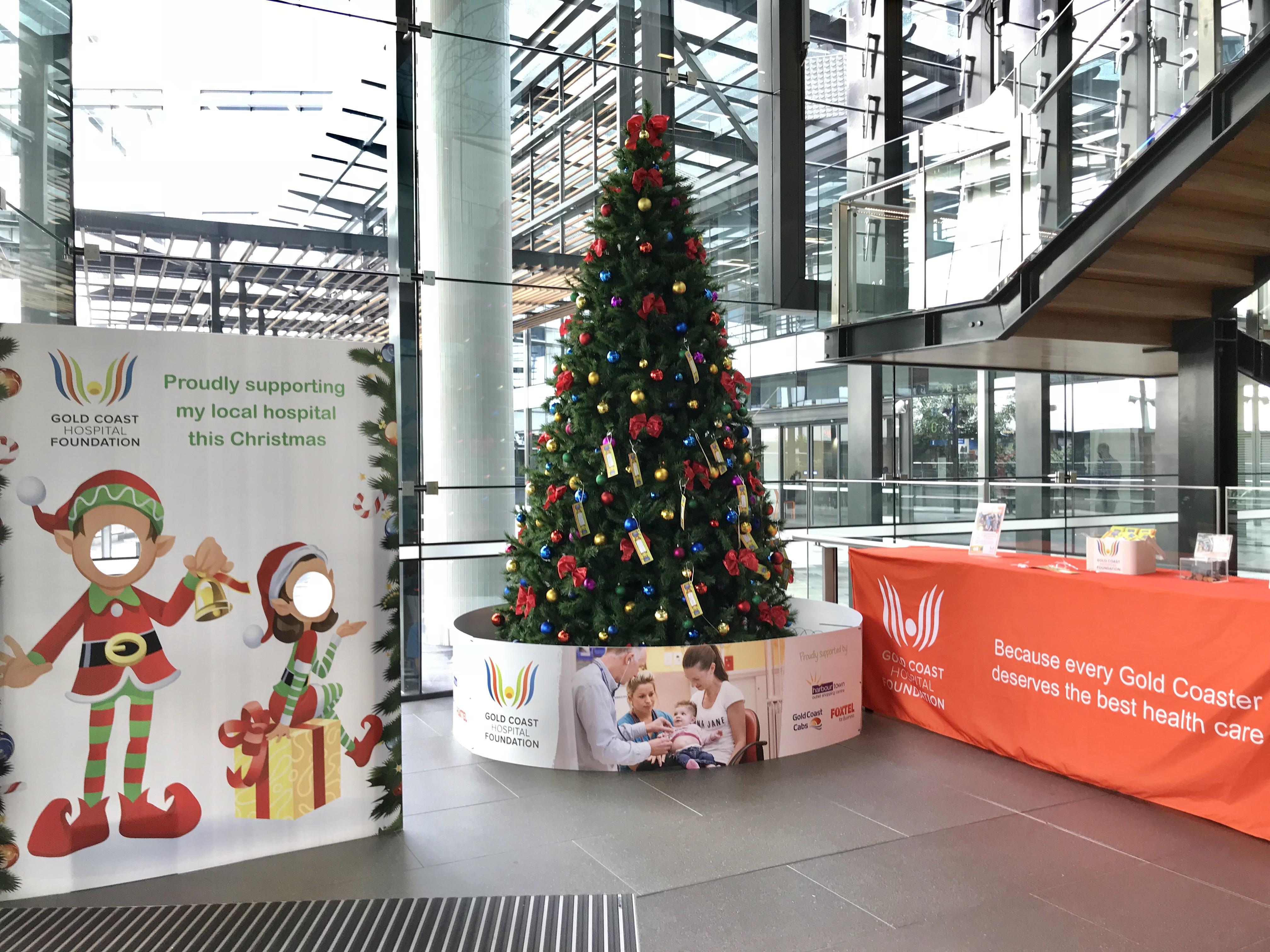 File:Christmas Tree At The Gold Coast University Hospital