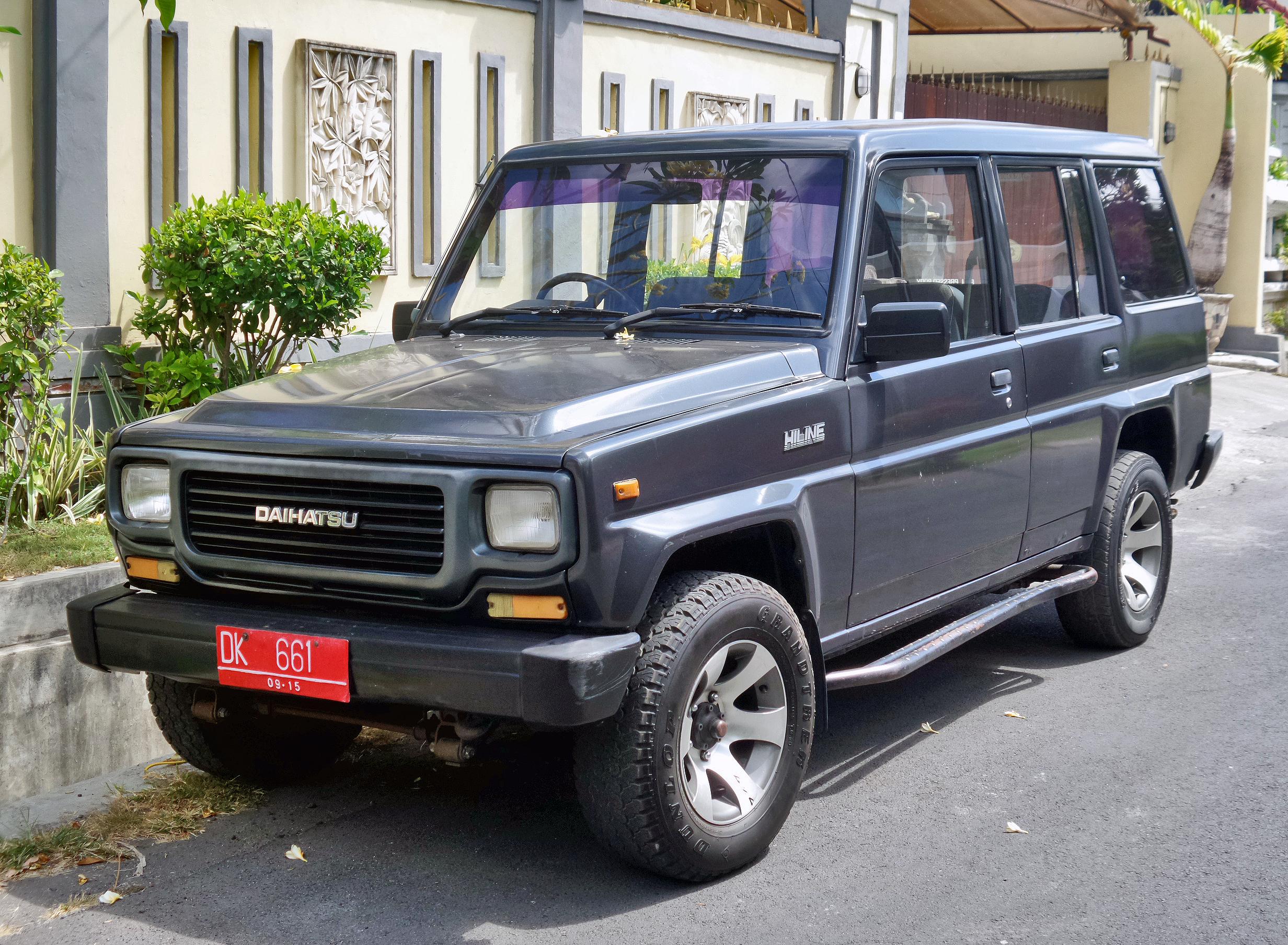 File:Daihatsu Hiline 5-door (front), Denpasar.jpg ...