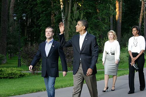 File:Dmitry Medvedev and Barack Obama 6 July-18.jpg - Wikimedia ...