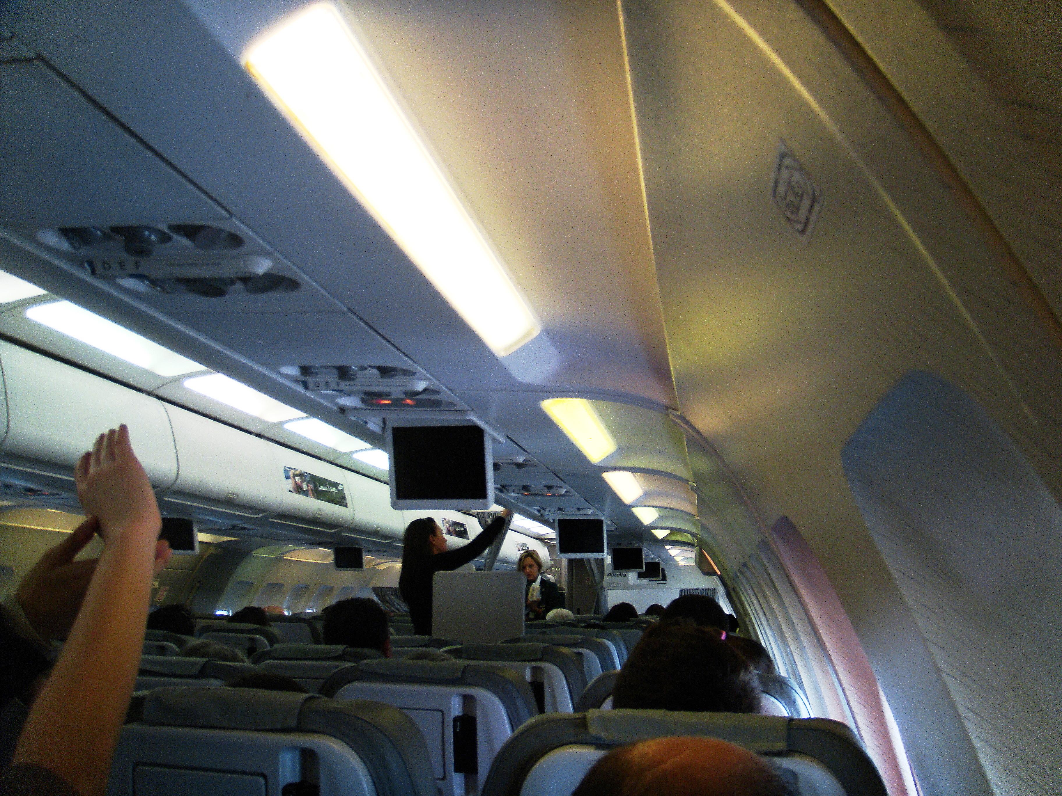 File Ehgritaly 120304 03 Alitalia Airbus A321 Interior Jpg