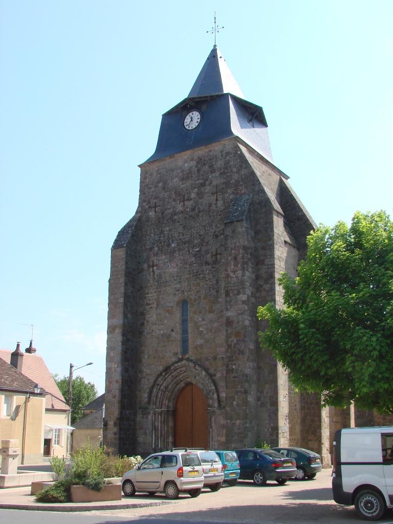 L'église Saint-Paxent, en 2008.