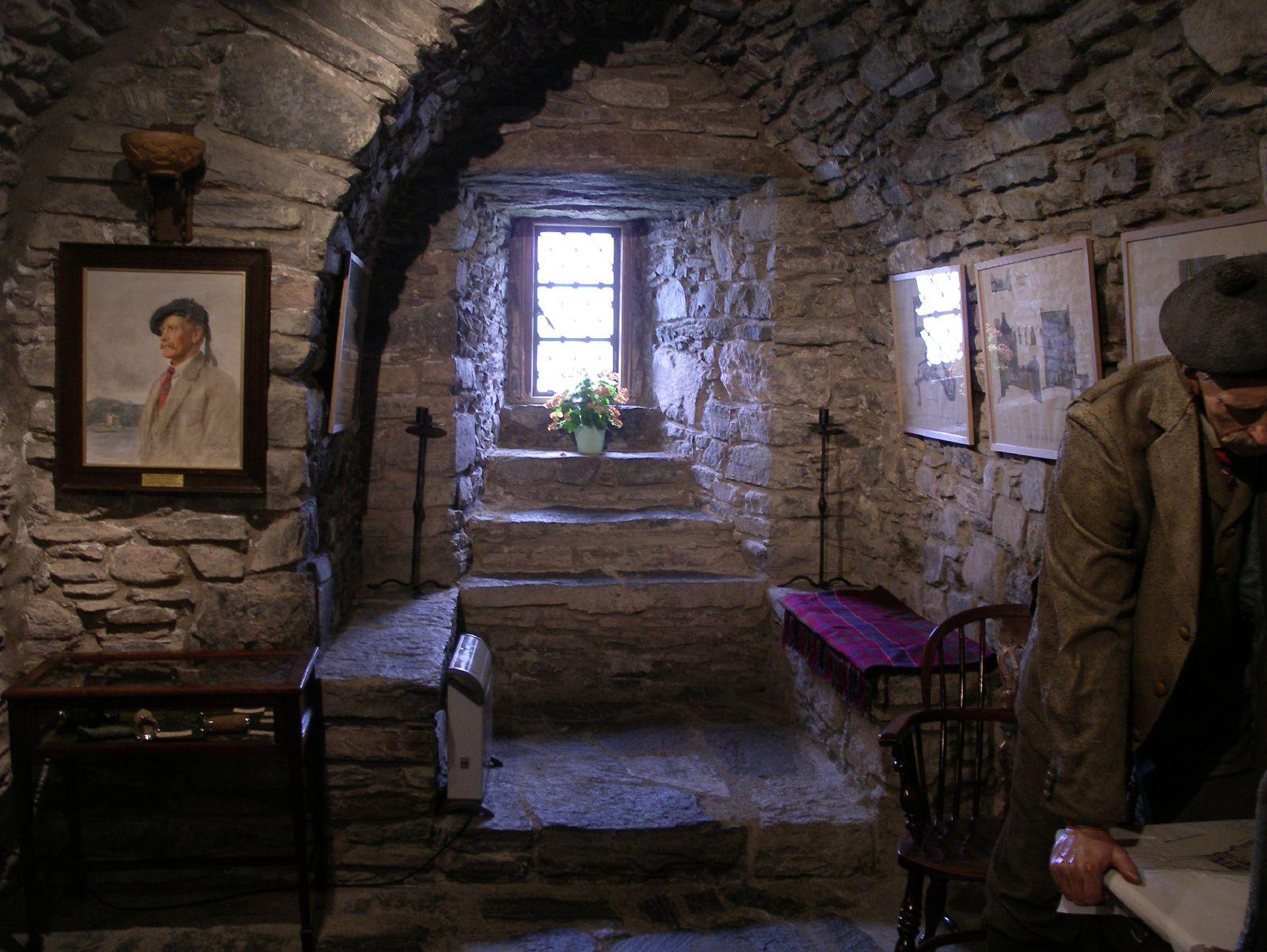 scottish ghosts - clan rollo online - scotland's culture