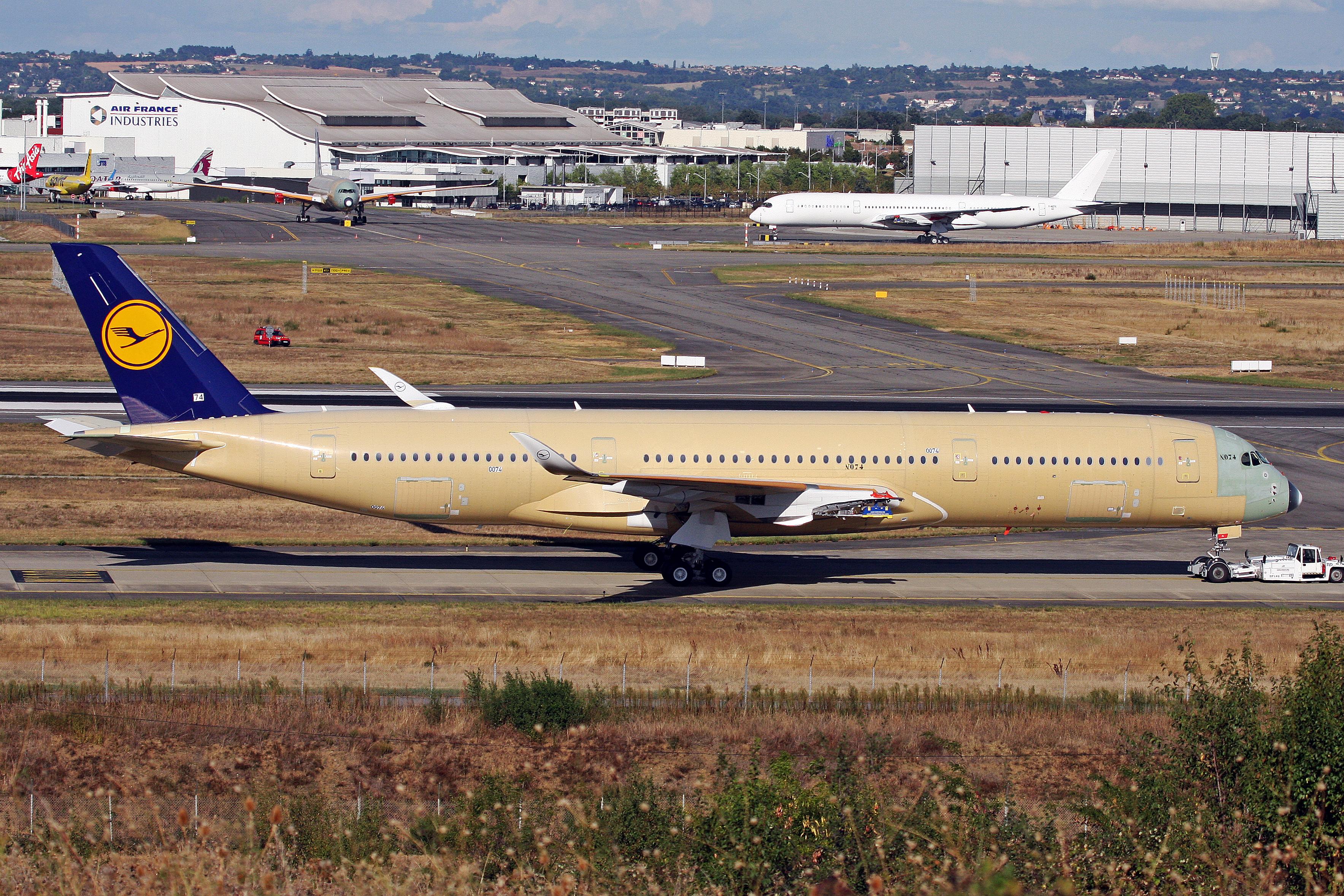 File:F-WZNC (D-AIXA 074) Airbus A350-941 Airbus Industrie (Lufthansa