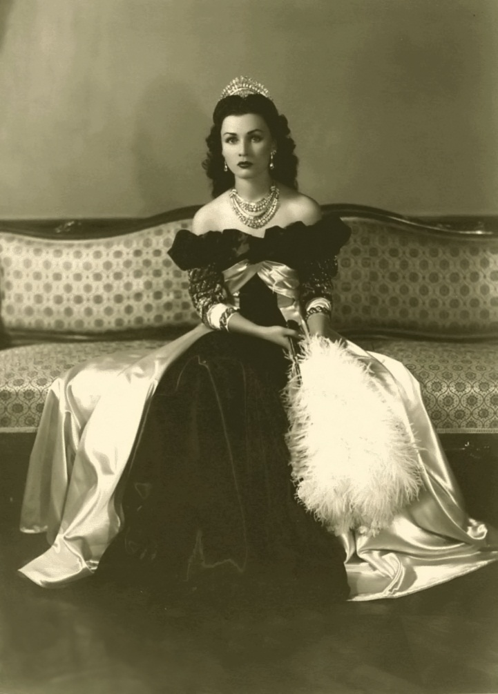 Princess Fawzia bint Fuad of Egypt, Queen of Iran, 1939 to 1948
