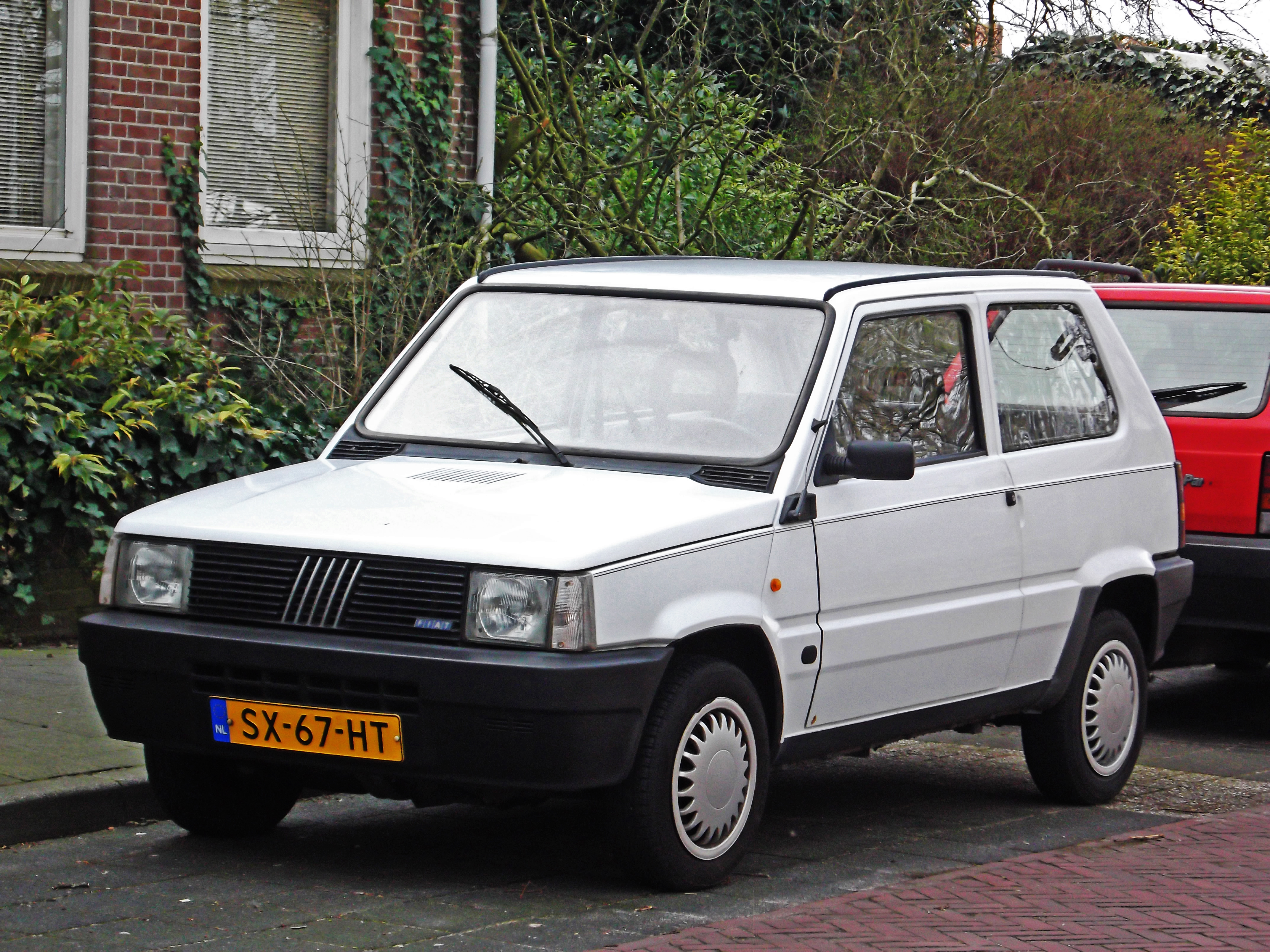 Fiat Panda (1980) - Wikipedia on fiat stilo, fiat coupe, fiat seicento, fiat linea, fiat multipla, fiat 500l, fiat bravo, fiat marea, fiat 500 turbo, fiat cars, fiat 500 abarth, fiat doblo, fiat spider, fiat x1/9, fiat cinquecento, fiat panda, fiat ritmo, fiat barchetta,