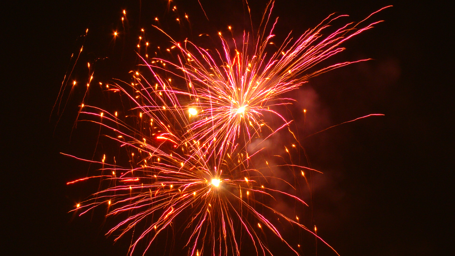 File:Fire Crackers Display (DSC01947).JPG - Wikimedia Commons