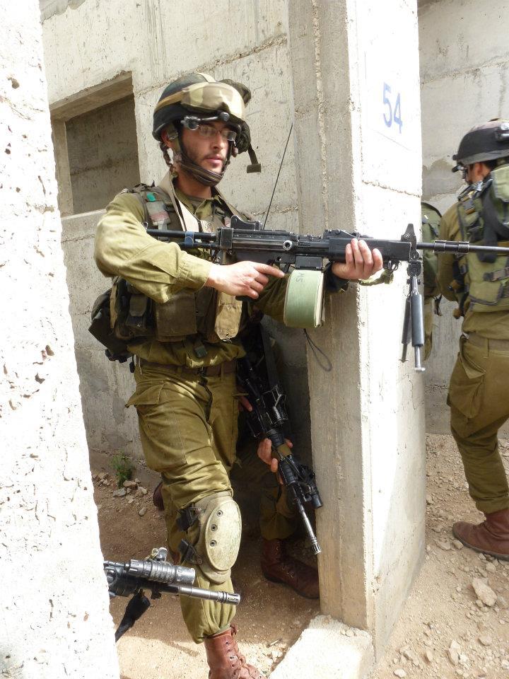 لواء Kfir الاسرائيلي .....חֲטִיבַת כְּפִיר Flickr_-_Israel_Defense_Forces_-_Kfir_Brigade_IDF_Officers_Practice_Urban_Warfare_%2811%29