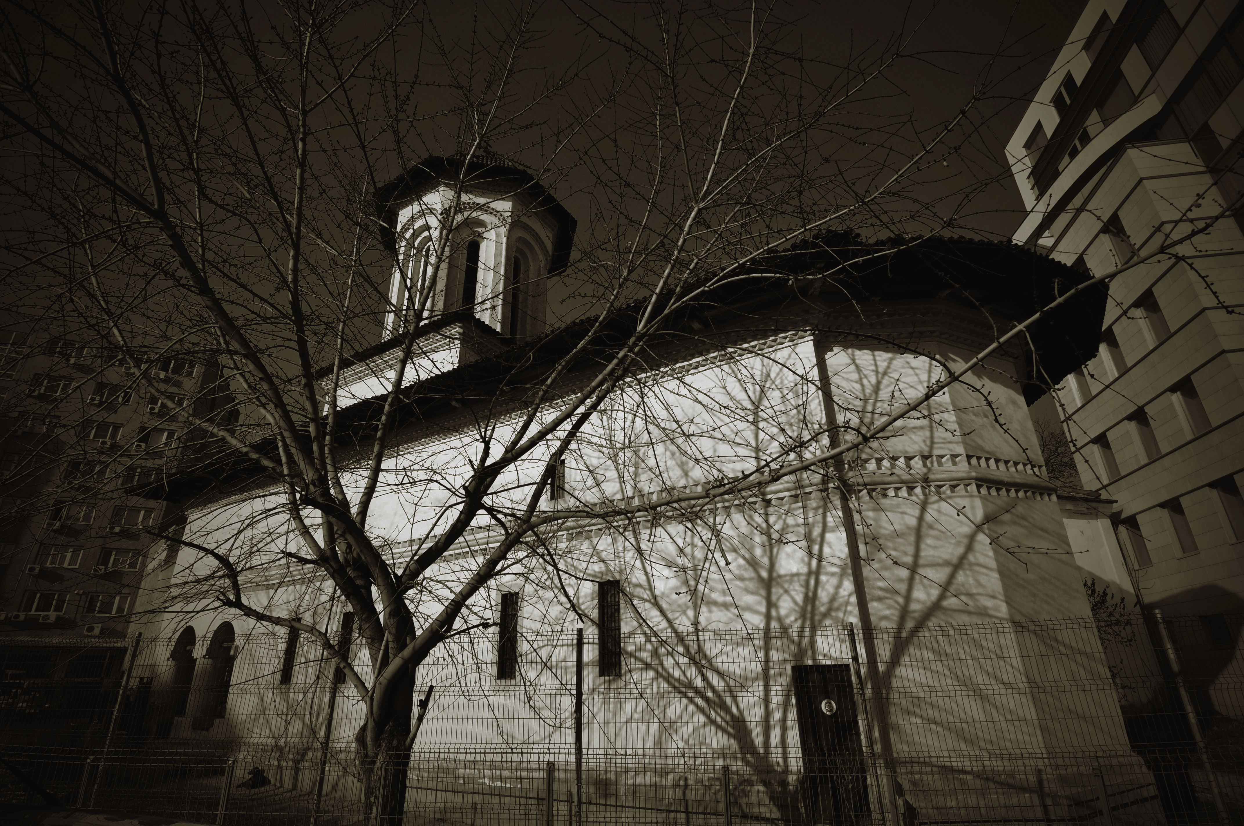 Razvan Church - Jewish neighbourhood private tour - Bucharest sightseeing