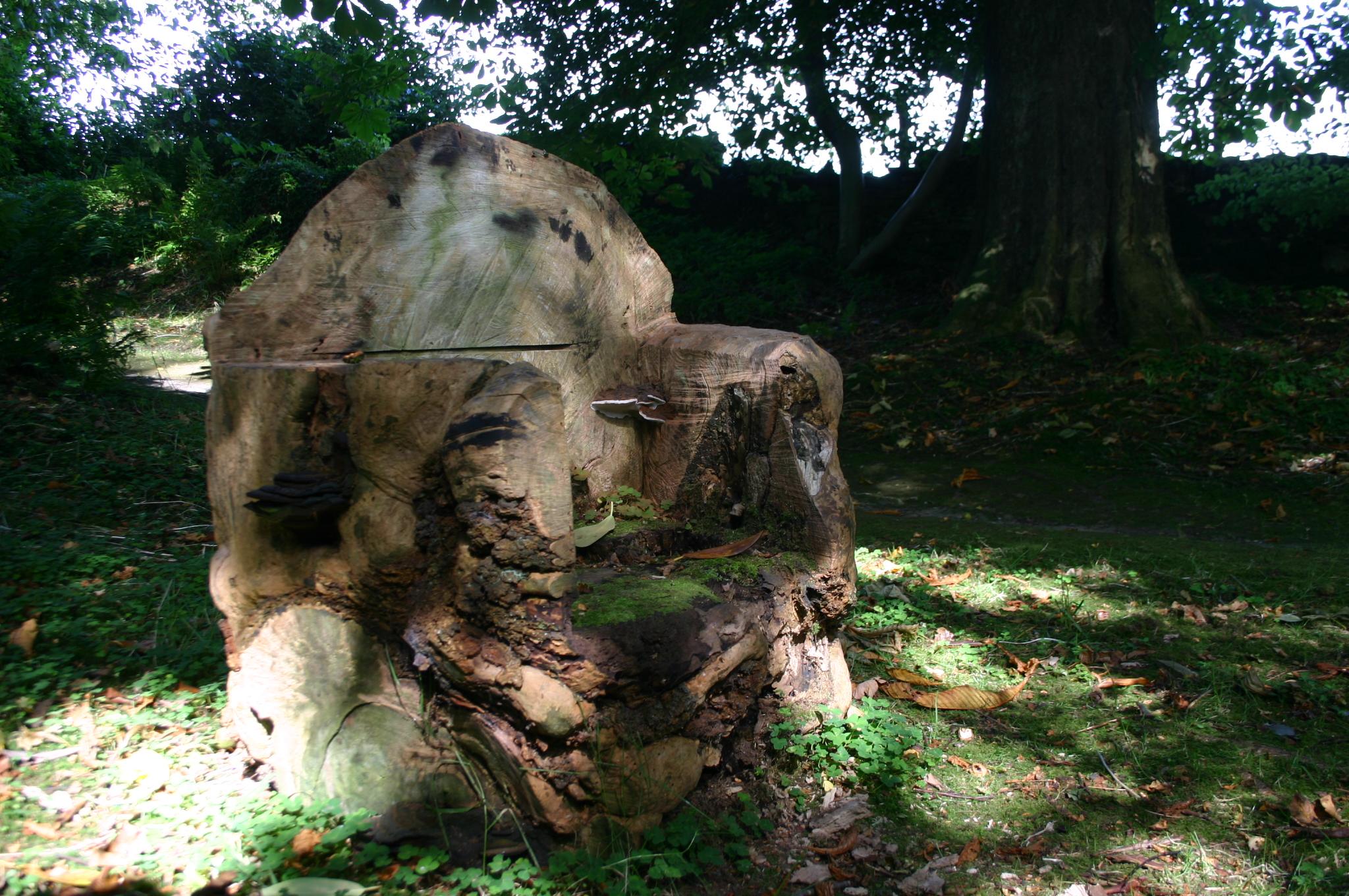 File:Geilston Garden Tree Chair