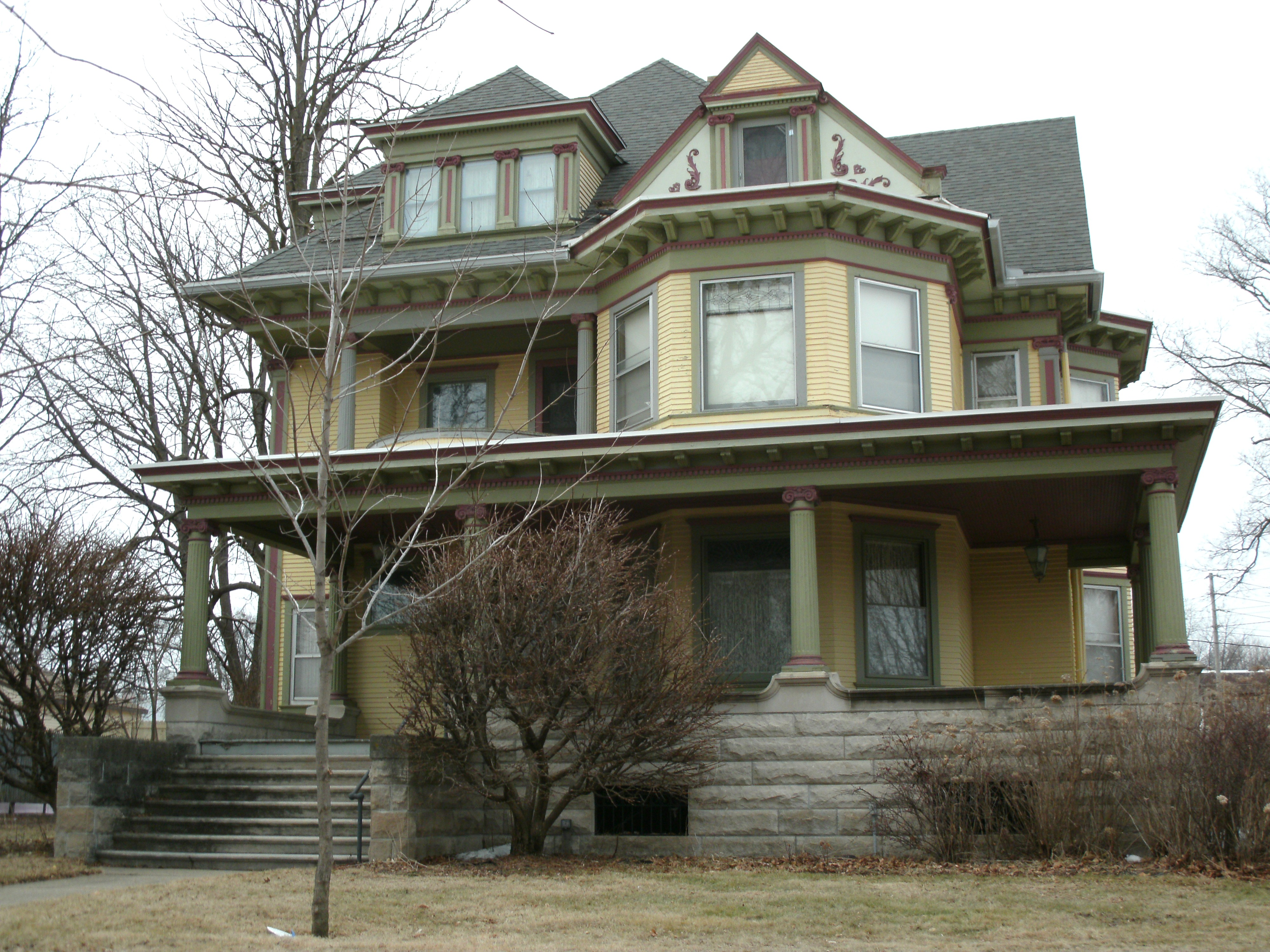 File henry weis house waterloo ia pic1 jpg wikimedia commons for Houses images pictures
