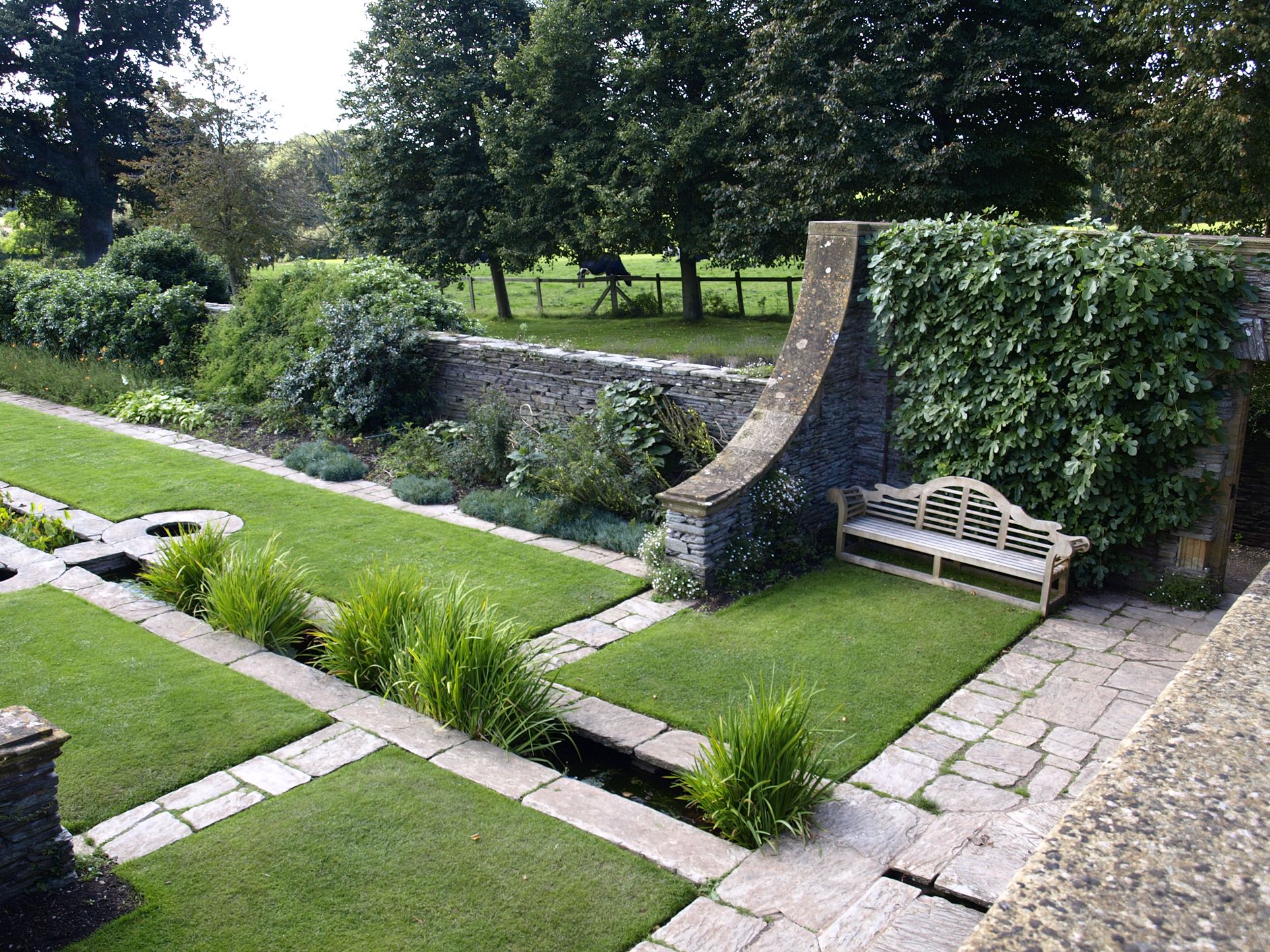 File hestercombe wikimedia commons for Gertrude jekyll garden designs