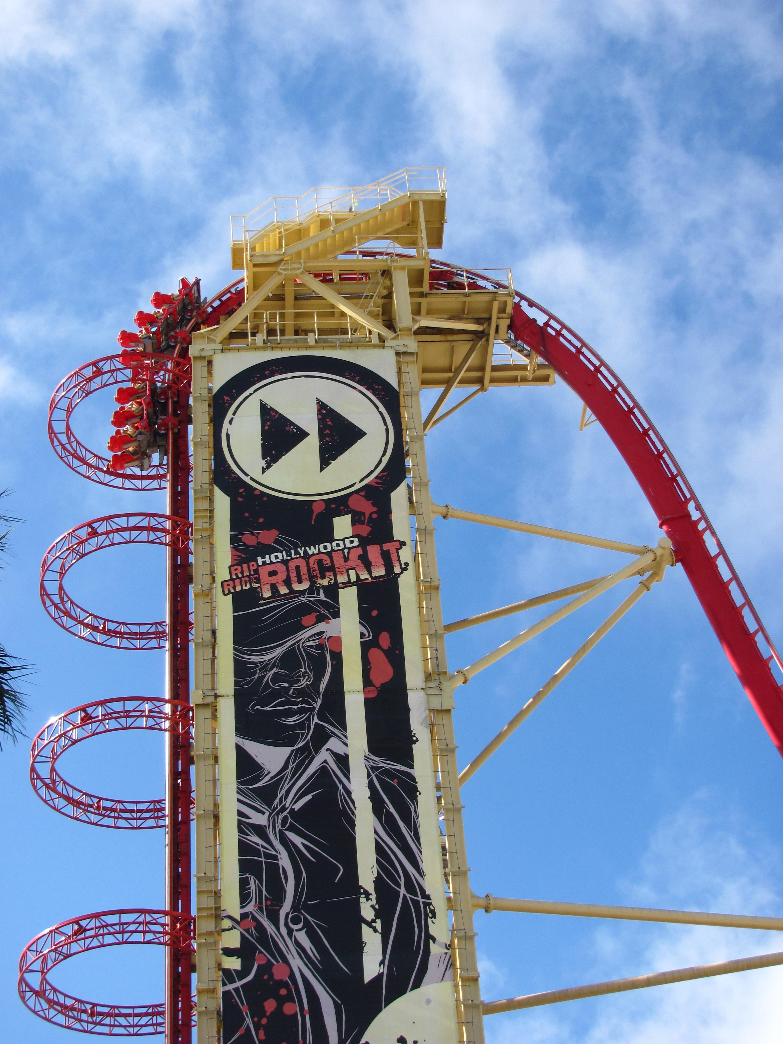 File:Hollywood Rip Ride Rockit 21.jpg - Wikimedia Commons