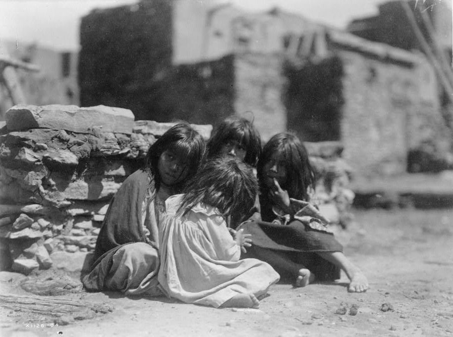 Hopi children