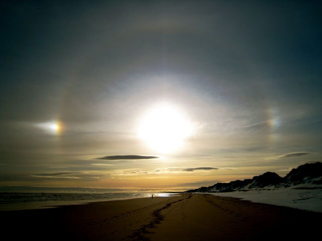 Ice halos above Foveran beach - geograph.org.uk - 675126