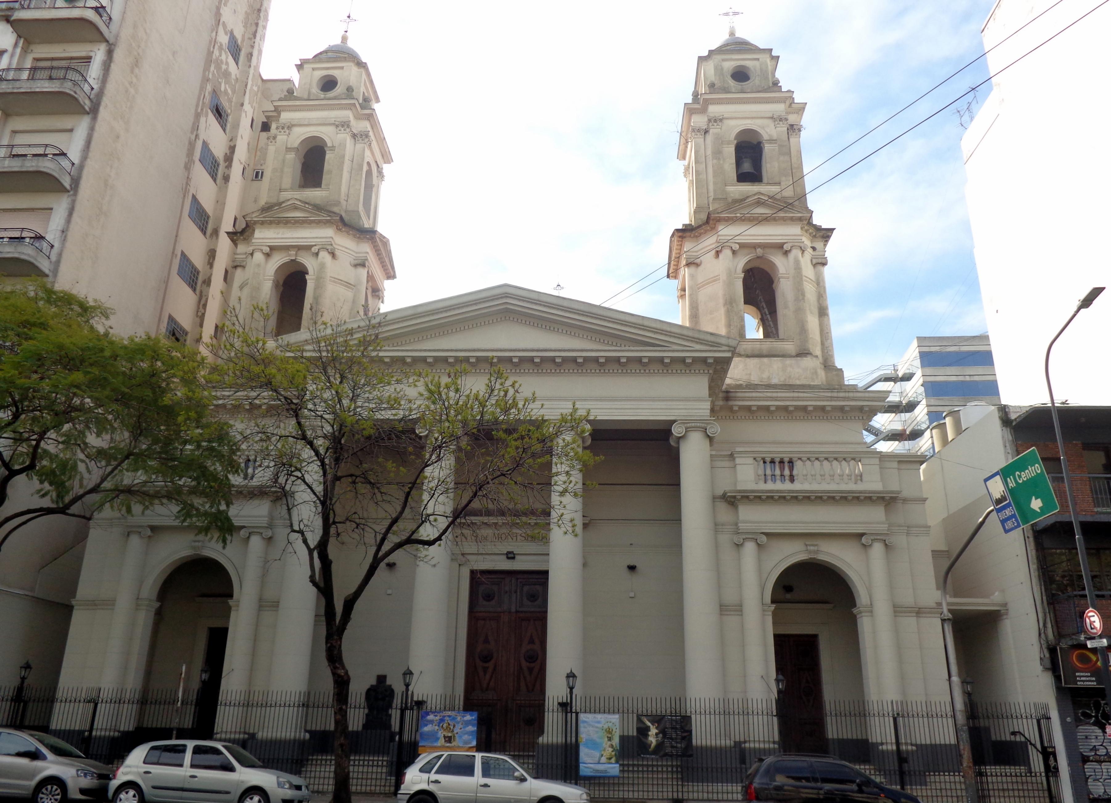 Chiesa di Nostra Signora di Montserrat (Buenos Aires) - Wikipedia 60fc2c4858a
