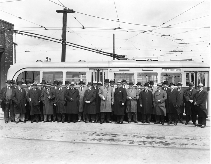 file inauguration of beaubien street trolleybus route st denis garage montreal 1937 jpg. Black Bedroom Furniture Sets. Home Design Ideas