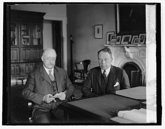 Wetmore (left) with [[Charles S. Dewey]], [[Assistant Secretary of the Treasury]], in 1926