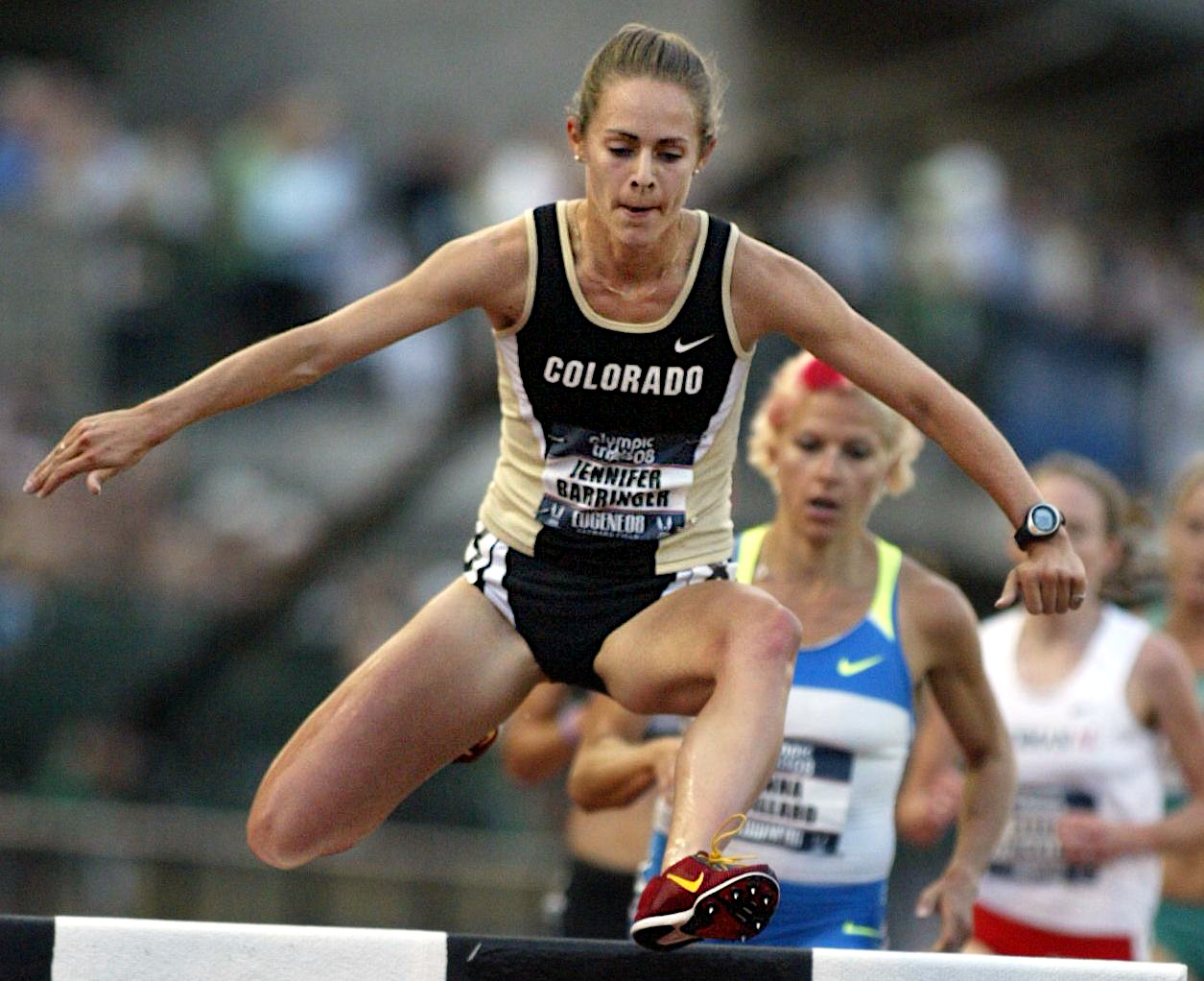 The 31-year old daughter of father (?) and mother(?) Jenny Simpson in 2018 photo. Jenny Simpson earned a  million dollar salary - leaving the net worth at 0.2 million in 2018