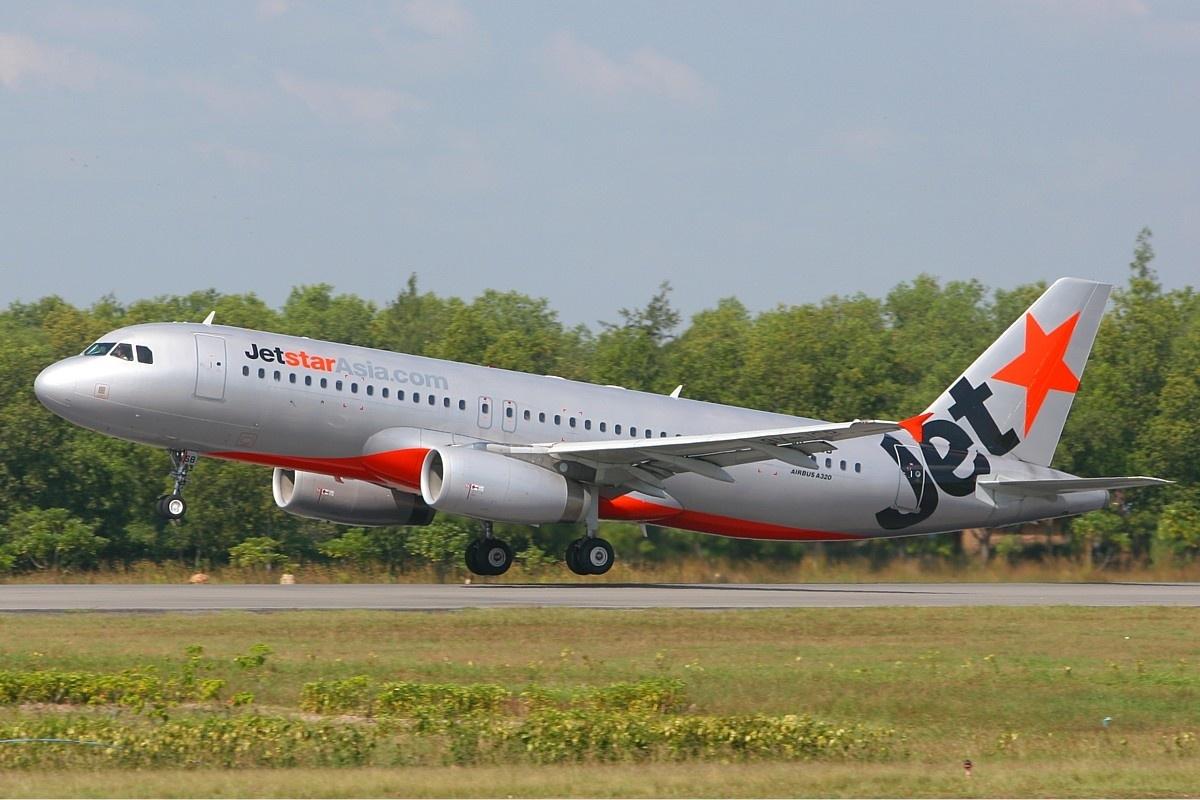 File:Jetstar Asia Airways Airbus A320 MRD-1.jpg - Wikimedia Commons