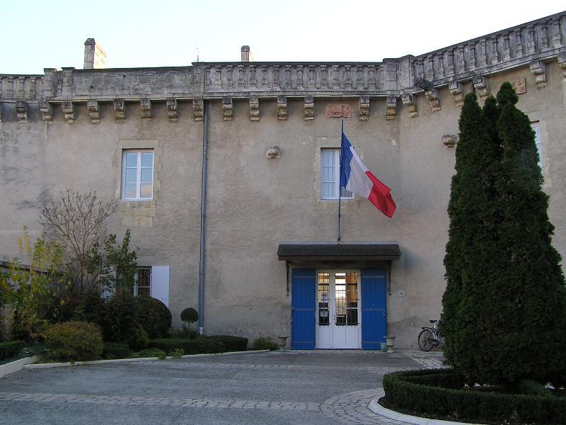 La sous-préfecture dans le château de Jonzac