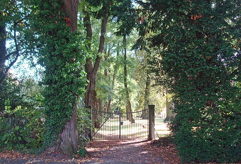 Eingang zum Neuen Jüdischen Friedhof