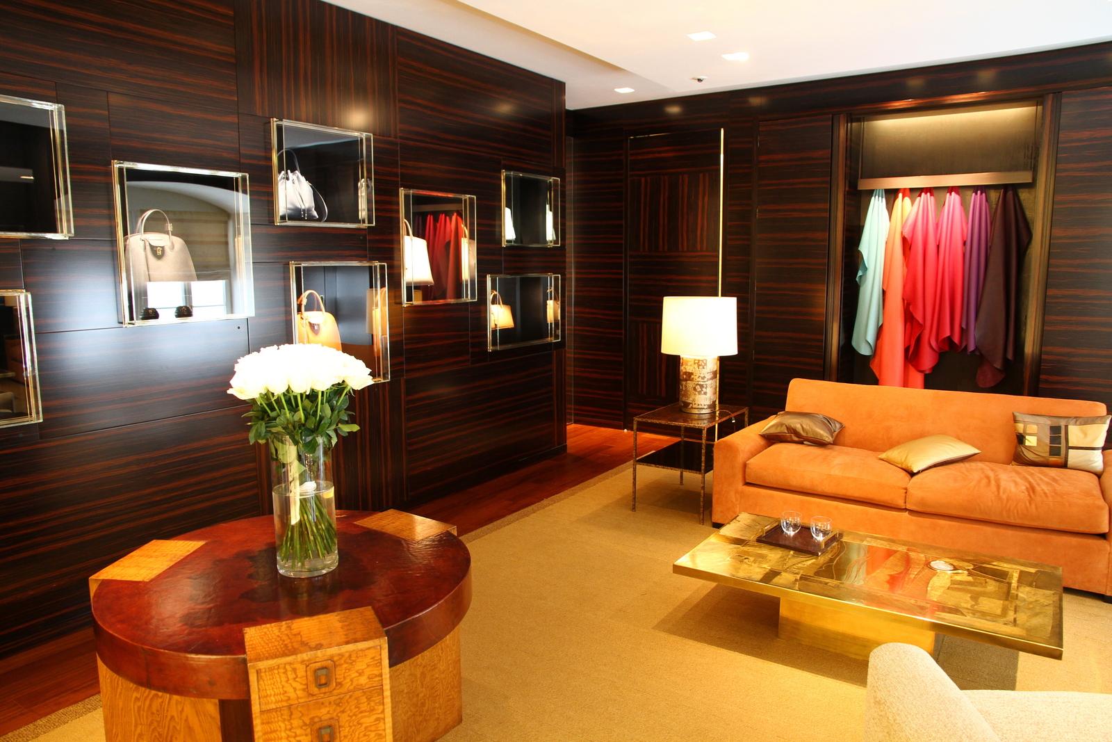 File:Louis Vuitton VIP room in Vienna.JPG - Wikimedia Commons