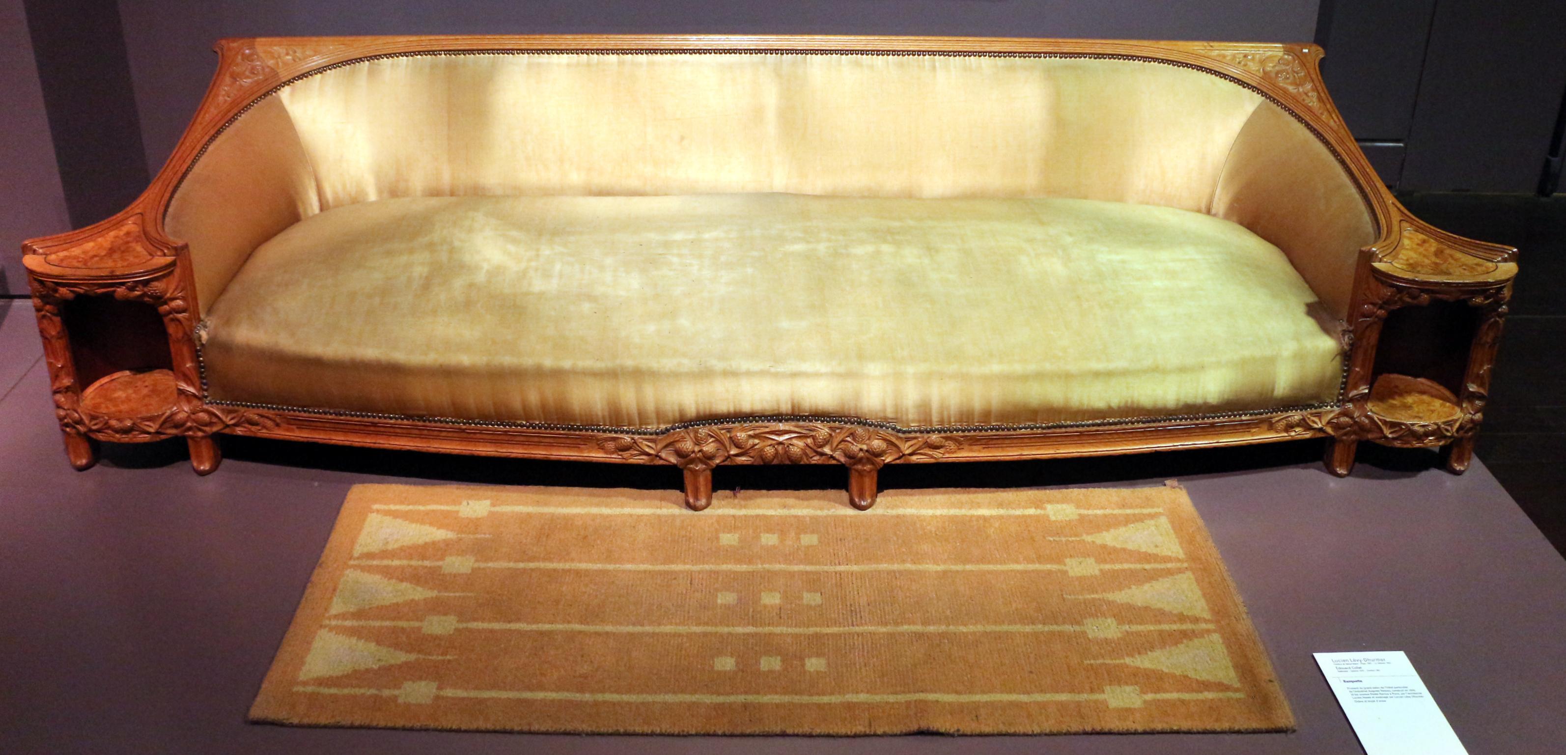 File lucien l vy dhurmer per douard collet divano 1910 - Tappeto di giunchi ...
