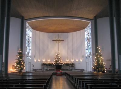 File:Ludwigshafen-St-Sebastian-Kirche-Innenraum.jpg