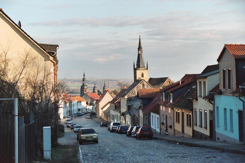 File:Lutherstadt Eisleben, the Kreisfelder Gasse.jpg