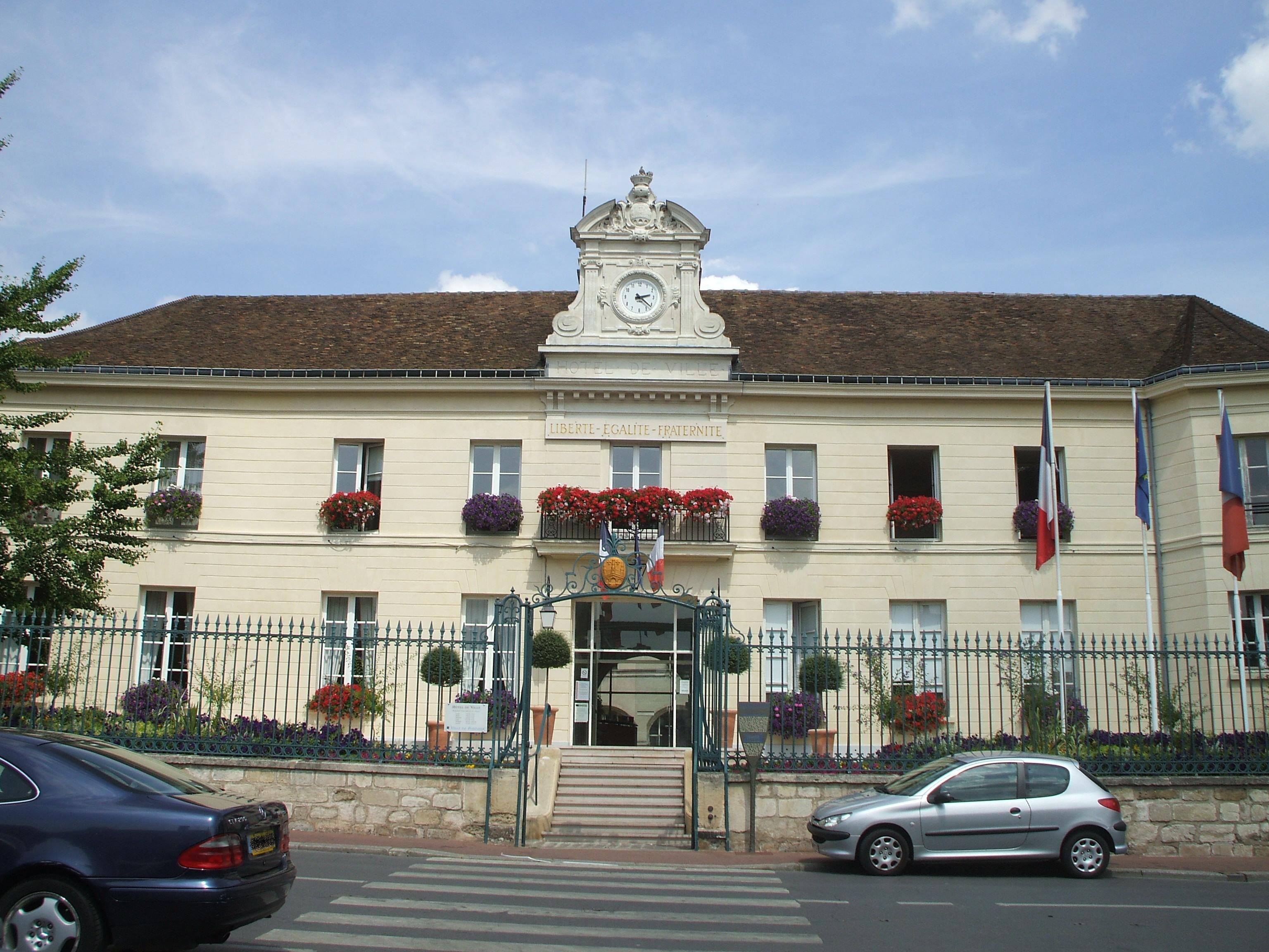 Hotel A Cergy Saint Christophe
