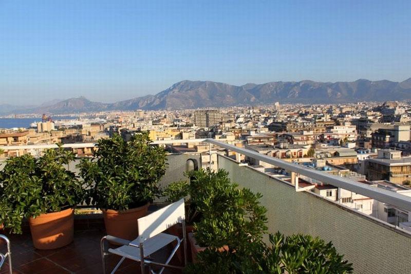 File:Meraviglioso panorama dalla terrazza di Attic 12 b&b Palermo ...