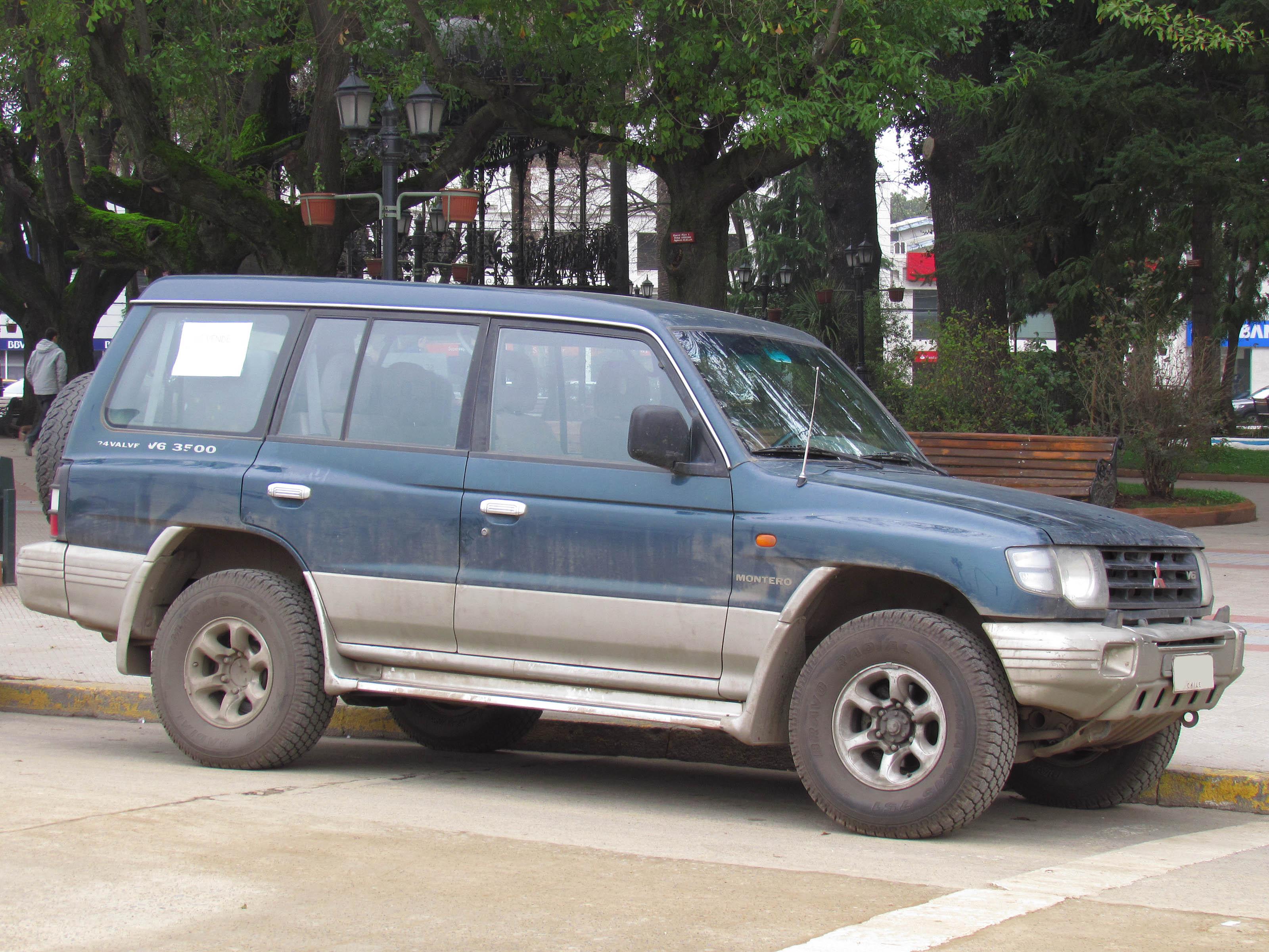 filemitsubishi montero gls v6 3500 1998 13897533347jpg - Mitsubishi Montero 1998