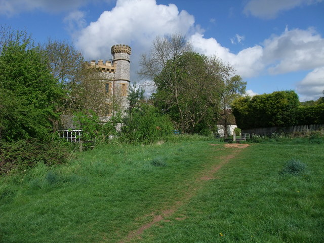 Monarch's Way passing Clopton Tower - geograph.org.uk - 1279851