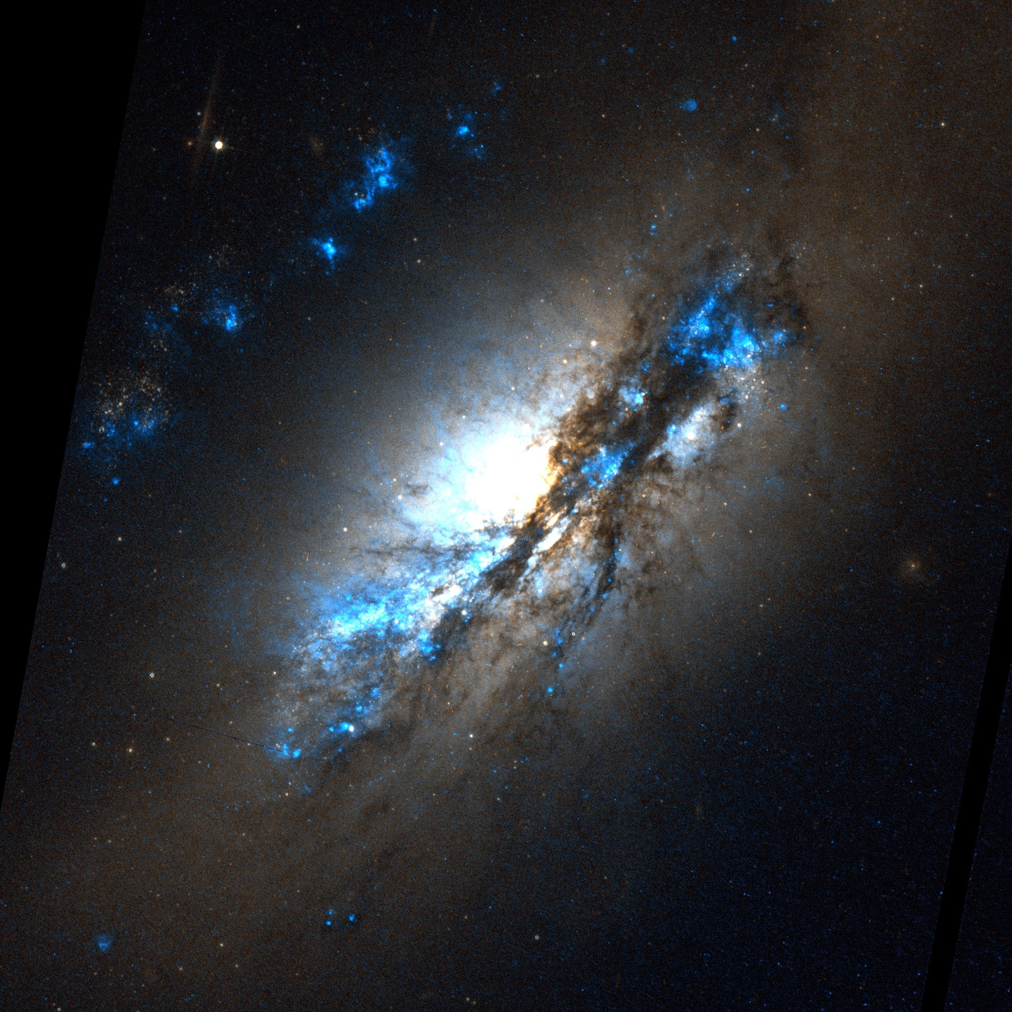 File:NGC 2146.jpg
