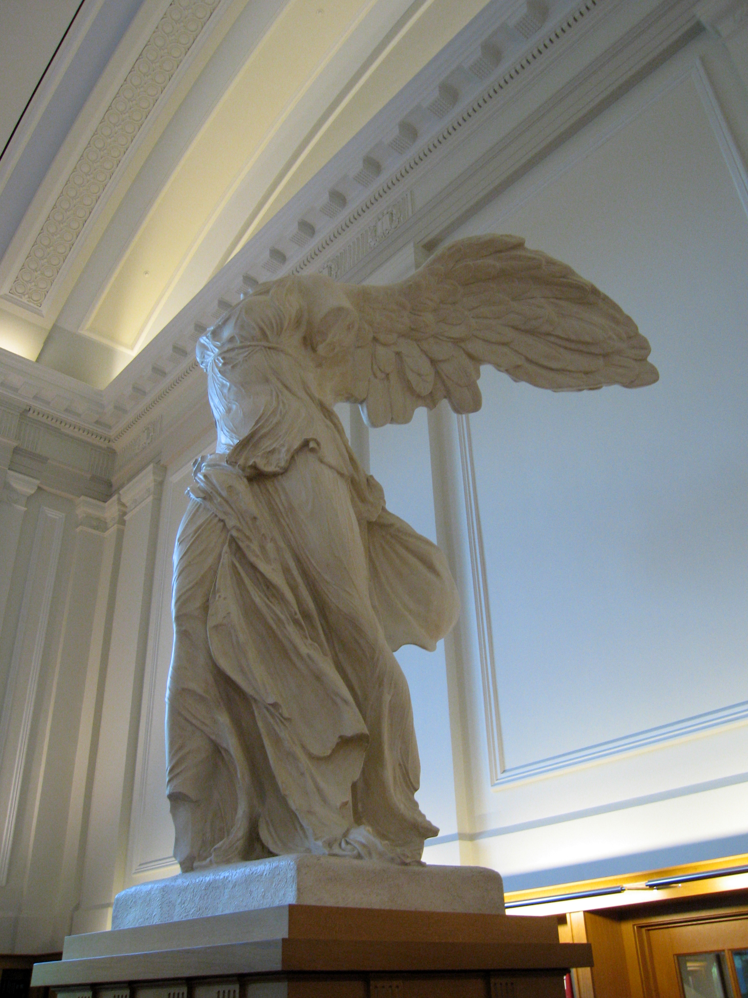 File:OSU Thompson Library - East reading room - reproduction of Nike of  Samothrace.