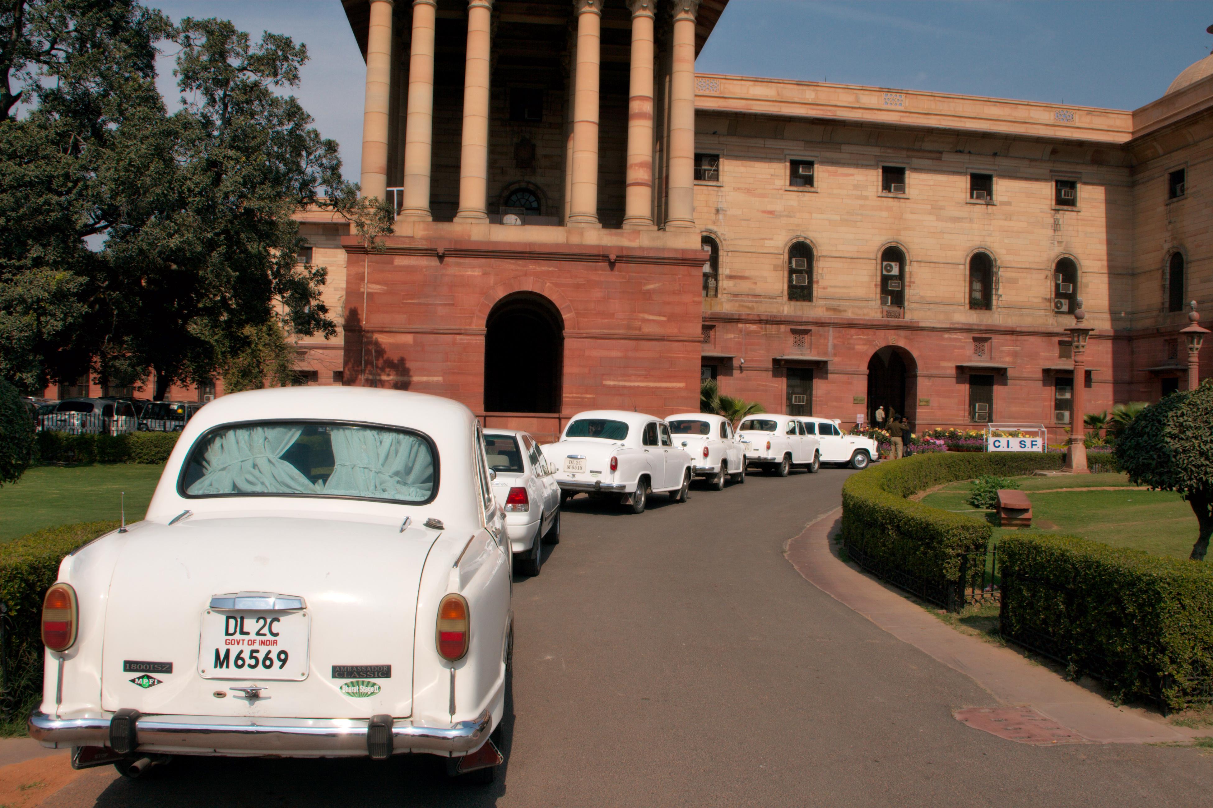 nickyskye meanderings: The Ambassador car in India