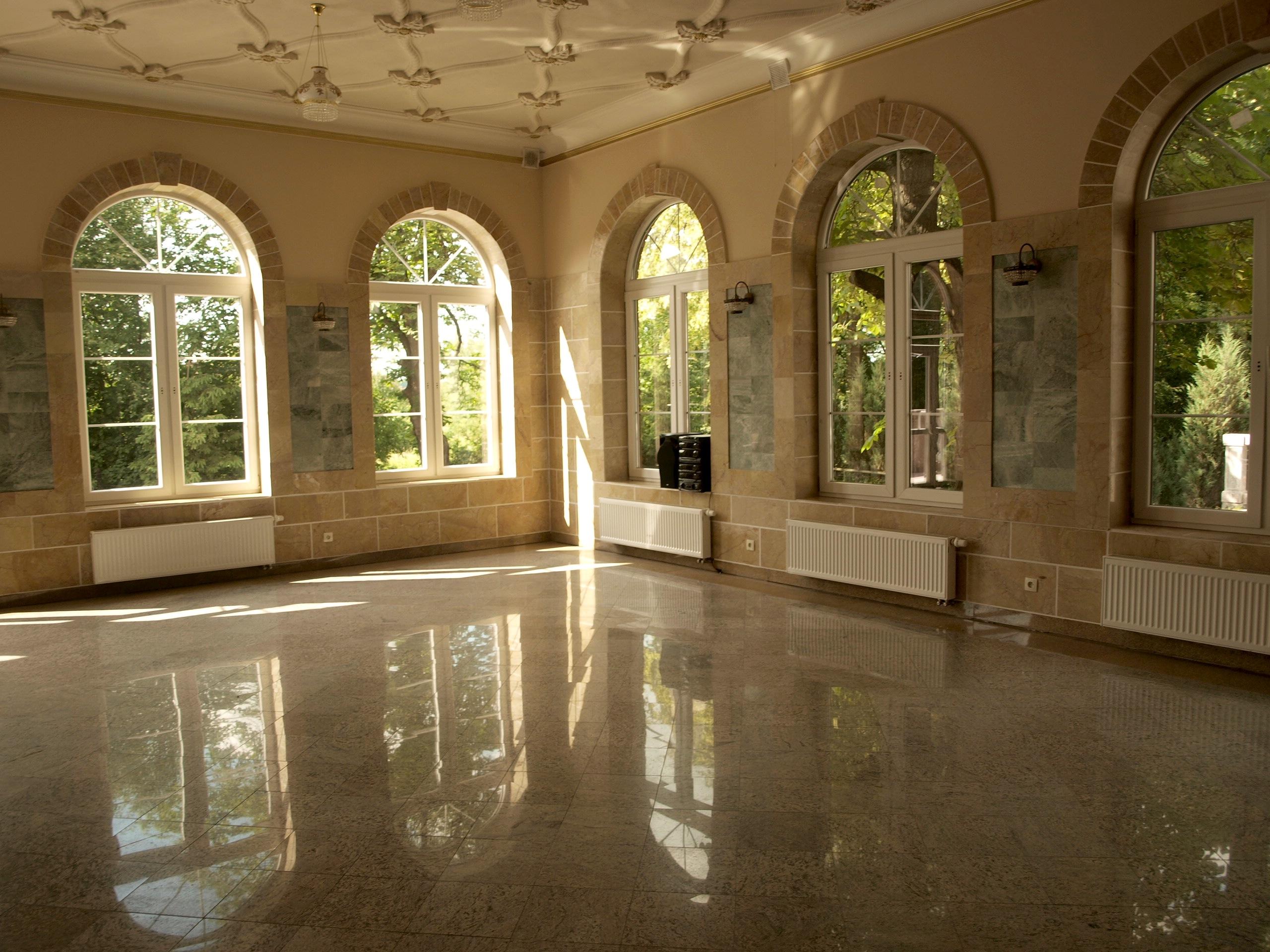 A room in Ostoya Palace of today, property of Rylski family