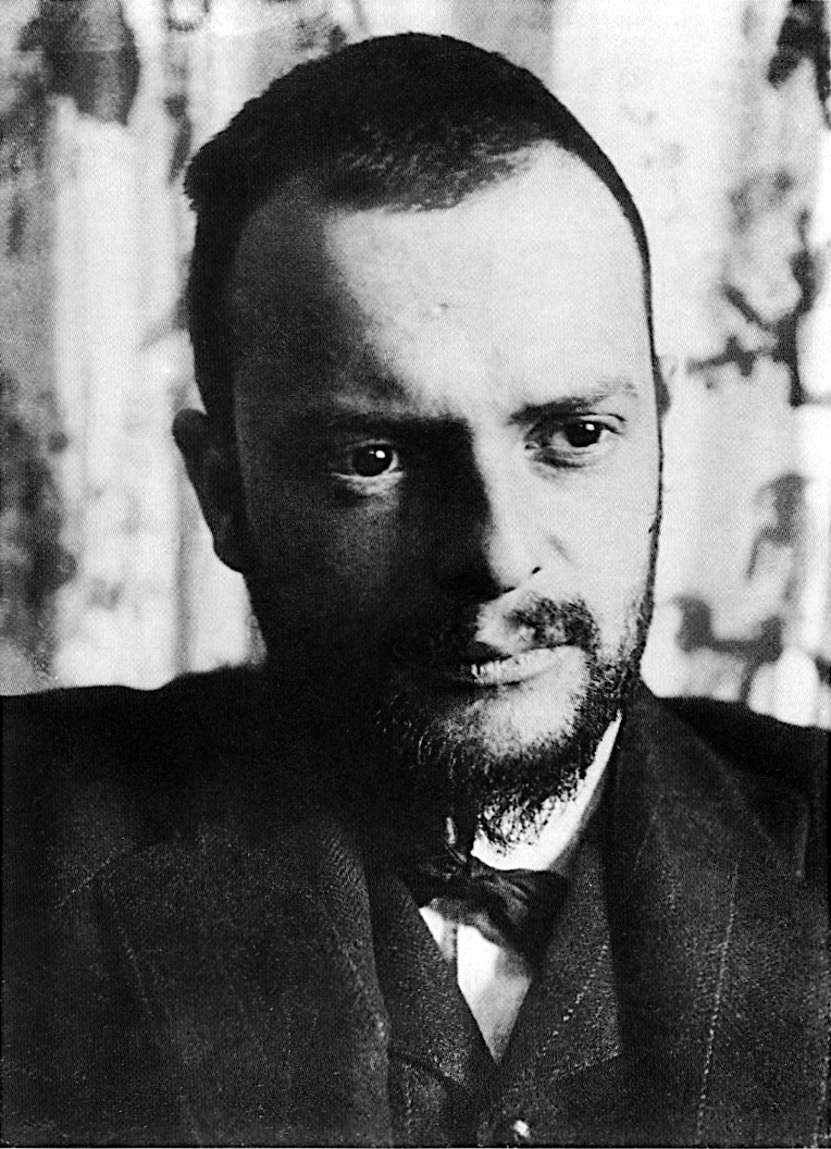 Paul Klee, photographed in 1911 by Alexander Eliasberg (Wikimedia Commons)