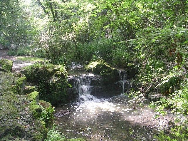 Peasholm Park - Waterfall - geograph.org.uk - 2061316