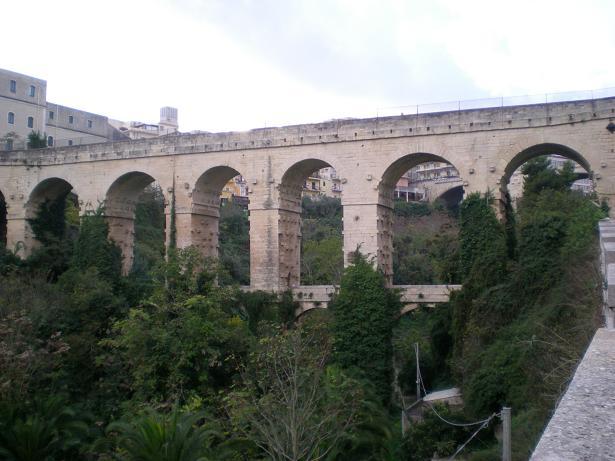 Ponte Vecchio Ragusa S1.jpg