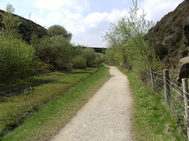 Road Bridge over the Longdendale Trail - geograph.org.uk - 1277571